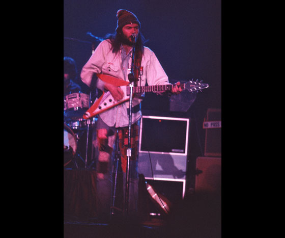 neil-young-22012-09-152-of-