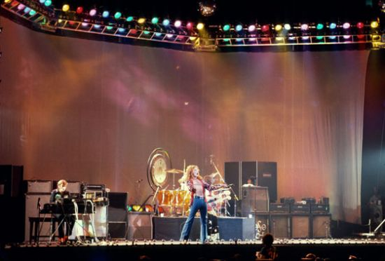 Robert Plant, leading Led Zeppelin in Chicago.